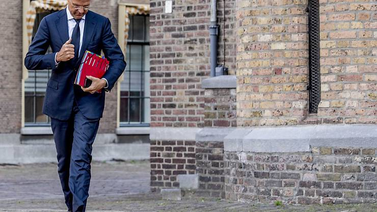 Fast sieben Monate lang dauerte es, bis der bisherige Regierungschef Rutte nach dem Wahlen eine neue Koalition schmieden konnte.