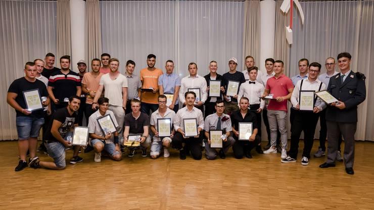 Der stolze Nachwuchs des Solothurner Baumeisterverbandes.