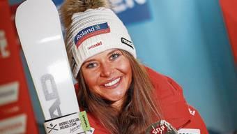 Corinne Suter vertraut auf den bewährten Servicemann von Swiss Ski, obwohl sie von ihrer Skimarke Head als VIP-Athletin betreut würde.