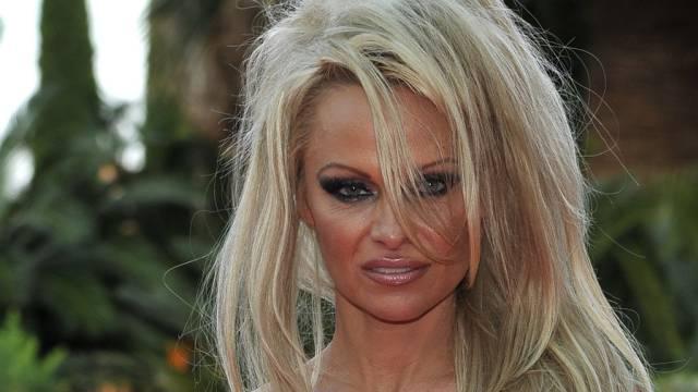 Pamela Anderson weiss nicht, was sie will (Key)