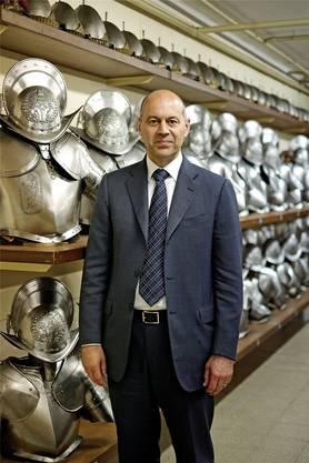 Graf in der Waffenkammer der Päpstlichen Schweizergarde im Vatikan.