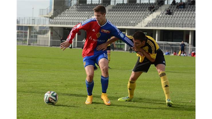 Cedric Itten spielte zu Beginn der Saison nur in der U21, jetzt darf er mit den Profis den Titel feiern.