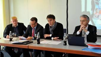 Das Aus für den Uhrencup: Von links: Urs Siegenthaler, Chef Infrastruktur; Thomas Vogt, ehemals Präsident des FC Grenchen, Sascha Ruefer, ehem. Turnierdirektor, und Roger Rossier, der als Liquidator eingesetzt wurde.