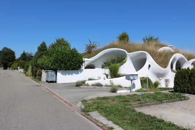 Die Anfang der 1990er-Jahre erstellte Erdhaus-Siedlung an der Lättenstrasse in Dietikon (1)