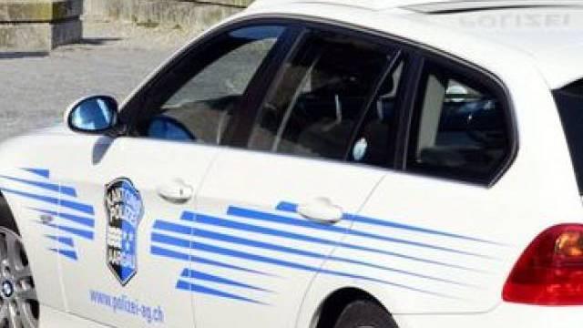 Der Polizist liess den Einbrecher nicht los. (Symbolbild)