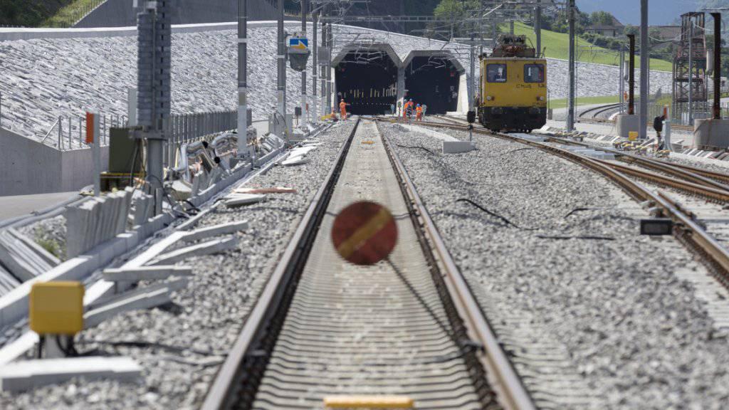 Der Bund will gegen den stetig steigenden Nachholbedarf bei der Schieneninfrastruktur ankämpfen. Er schlägt verschiedene Massnahmen vor. (Symbolbild)