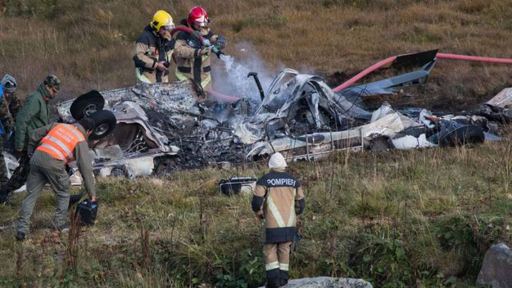 Der Super Puma der Schweizer Armee hatte auf dem Gotthard-Pass kurz nach dem Start mit den Rotoren eine Freileitung berührt und stürzte darauf hin ab. Die beiden Piloten überlebten den Unfall nicht. (Archivbild)