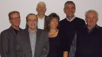 Zuversichtlicher Genossenschaftsvorstand v.l.: Hugo Sacher, Hansjörg Güntert, Werner Schneider, Mechthild Babel, Richard Weilenmann (Präsident), Urs Buser. ZVG