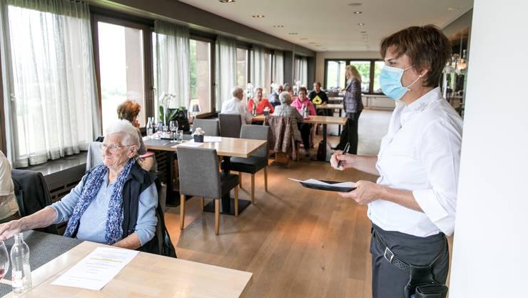 Restaurants dürfen künftig mehr als 100 Personen bedienen. (Themenbild)
