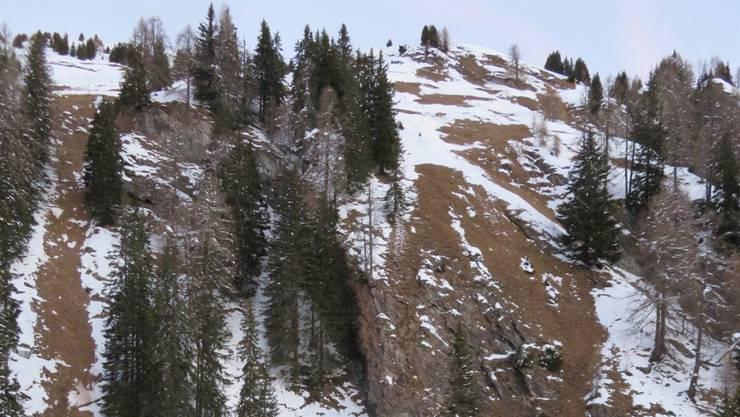 In diesem Gelände in Splügen GR stürzte der 49-jährige Schneeschuhwanderer ab.