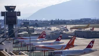 Der Flughafen Genf musste 600 Millionen Franken aufnehmen.