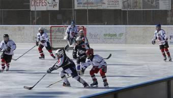 Voller Einsatz beim Moskito-Turnier auf der Eisbahn in Wohlen.