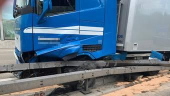 Unfall auf der Autobahn A1 bei Spreitenbach am 18. Juni 2019
