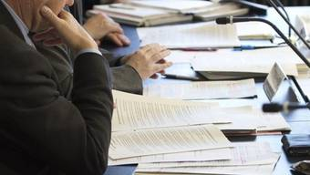 Die Geschäftsprüfungskommissionen soll die Vorwürfe um die falsche Abrechnung im Kantonsspital Aarau klären. (Symbolbild)