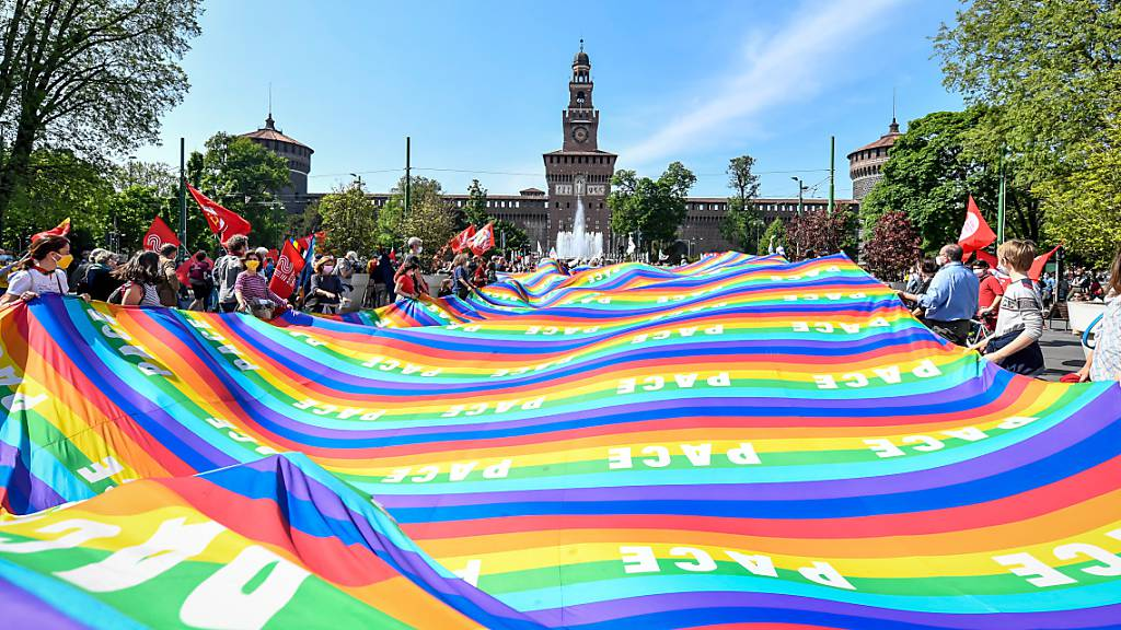 Gedenken an die Befreiung Italiens vor 76 Jahren - hier in Mailand. Foto: Claudio Furlan/LaPresse via ZUMA Press/dpa