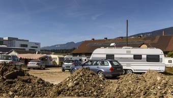 Ein Erdwalm um das Attisholz-Süd Areal soll den Fahrenden zeigen: «Ihr befindet euch auf Baustellenareal».