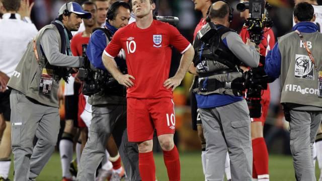 Wayne Rooney soll gemäss englischen Sonntagszeitungen seine Frau betrogen haben