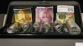 Der Bund hat für das laufende Jahr ein Defizit budgetiert. Nun rechnet er aber mit einem Überschuss. (Symbolbild)
