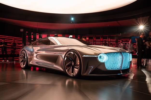 Mit dem Concept-Car EXP 100 GT feiert Bentley seinen 100. Geburtstag und zeigt eine Vision, wie luxuriöses Grand Touring im Jahr 2035 aussehen könnte.