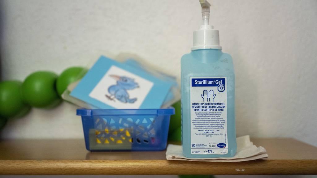 Desinfektionsmittel-Unfälle: Giftnotruf erhält mehr Anrufe