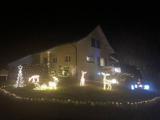 Das hellste Hause im Dorfteil Rüchlig....