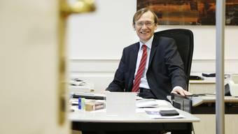 Andreas Bühlmann in seinem Büro.
