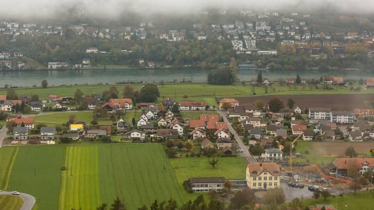 Blick auf Full-Reuenthal: Das Dorfbild prägen vor allem Einfamilienhäuser, Mehrfamilienhäuser sind noch selten.