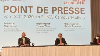 Bundesrat Alain Berset zusammen mit den Baselbieter Regierungsräten Thomas Weber und Kathrin Schweizer.