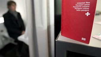 In Lausanne ist ein Paar nicht eingebürgert worden, das unter anderem Handschläge verweigert hatte. (Themenbild)