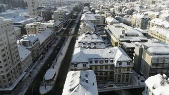 In rund 400 Wohnblöcken im Osten der Stadt La Chaux-de-Fonds NE mussten die Bewohner ohne Heizung auskommen. (Archiv)