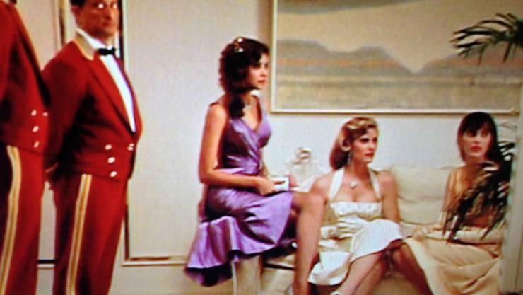 High Rollers und High Class Girls: Marisa (2.v.r.) in einer Szene im Film «Havana».