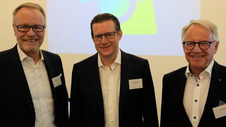 An der Versammlung des Dietiker Industrie- und Handelsvereins: Hans Egloff, Verwaltungsratspräsident der Limmattalbahn AG, Josef Wiederkehr, Präsident des Industrie- und Handeslvereins und Urs Jenny, Präsident der IG Silbern.