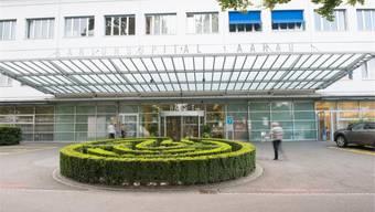 Sollen die Kantonsspitäler (im Bild der Eingang zum KSA) privatisiert werden?