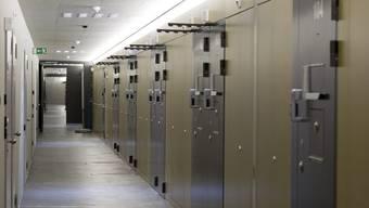 Ein Zellengang im Zentralgefängnis in Lenzburg. 98 Prozent aller Zellen in Aargauer Gefängnissen sind gefüllt.