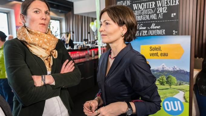 Die Grünen und die Grünliberalen haben bei den Parlamentswahlen stark zugelegt. Trotzdem besteht nach der gescheiterten Bundesratskandidatur von Regula Rytz (r.) Spannungspotenzial zwischen den Öko-Parteien. GLP-Fraktionschefin Tiana Moser (l.) sagt über Rytz: «Wir stehen der Linksaussen-Gewerkschafterin nicht näher als der FDP.»