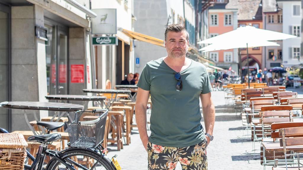Gedränge vor dem «Platzhirsch» in Aarau: Polizei bewilligt Absperrung des Aussenbereichs