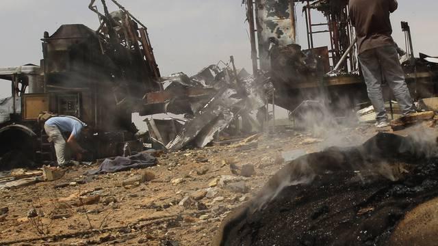 Gemäss libyschen Angaben wurde dieser Lastwagen bei NATO-Angriffen zerstört (Archiv)