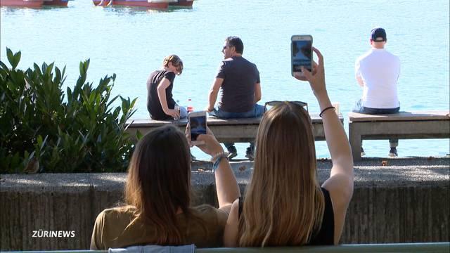 Umfrage und neue iPhone-Funktion zeigen Ausmass der Handysucht
