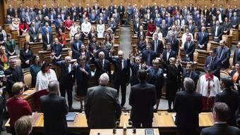 Die sieben alten sind auch die sieben neuen Bundesräte: Veränderungen bräuchten in der Schweiz Zeit, kommentieren die Medien das Scheitern der Grünen Regula Rytz.