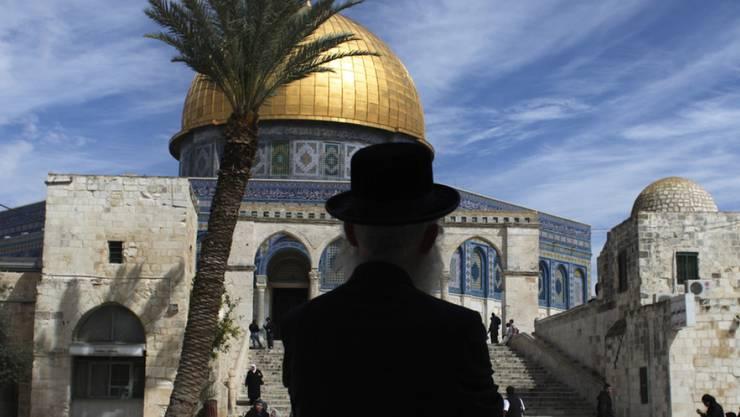Der Tempelberg mit der Al-Aksa-Moschee (im Bild) ist eine heilige Stätte für Juden wie auch Muslime. Immer wieder führt der Streit um die Besuchsrechte zu Spannungen und Gewalt. (Archiv)