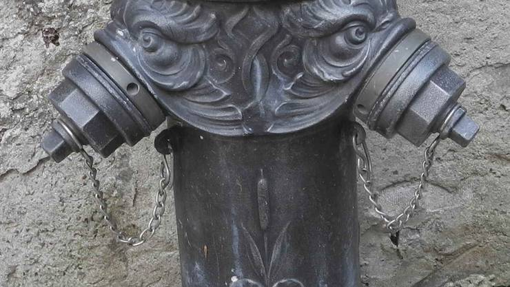 Ein antik daherkommenderAltstadt-Hydrant.
