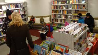 Die Leseecke in der Stadtbibliothek an der Rindergasse ist auch immer gut für gemütliche Plaudereien.