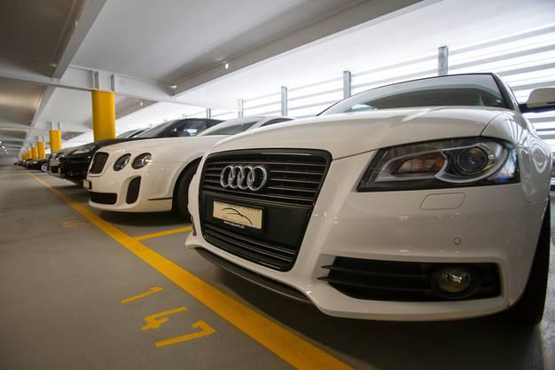 Diese Fahrzeuge werden versteigert.