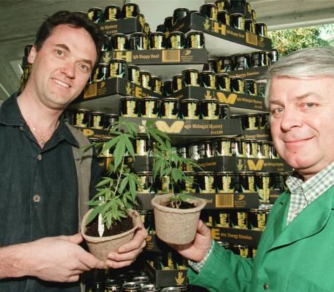 Martin Frommherz (l.) initiierte 1997 eine Hanf-Meisterschaft mit Ernst Meier (Garten-Center Tann-Rüti).Key