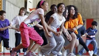 Eine Studie zeigt, dass Jugendliche je nach Herkunft unterschiedlich gut in der Schweiz integriert sind.