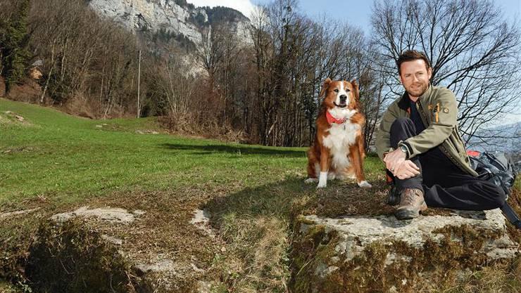 Nik Hartmann mit seiner Hündin Jabba (Archiv)