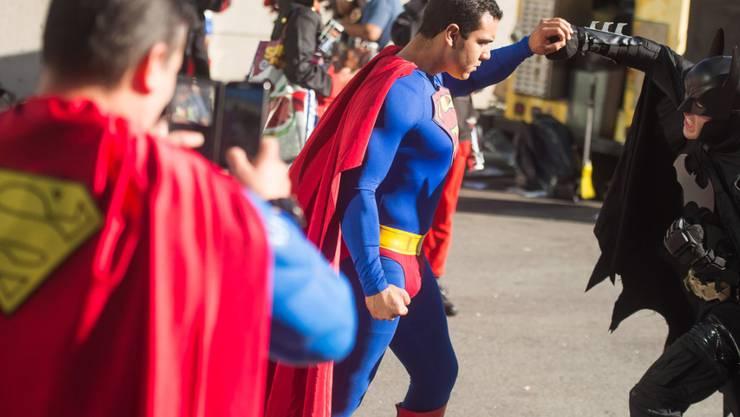 """In den USA ist ein roter Umhang von """"Superman"""" unter den Hammer gekommen und hat einen vergleichsweise hohen Preis erzielt. (Symbolbild)"""