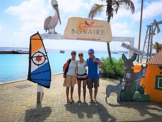 Wiedersehen nach eineinhalb Jahren mit der Tochter von Pia Koch (Mitte) auf Bonaire.