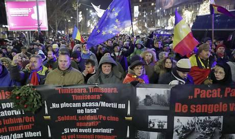 Revolutionsgedenken und Proteste gegen Regierung in Rumänien - Ausland - az Aargauer Zeitung