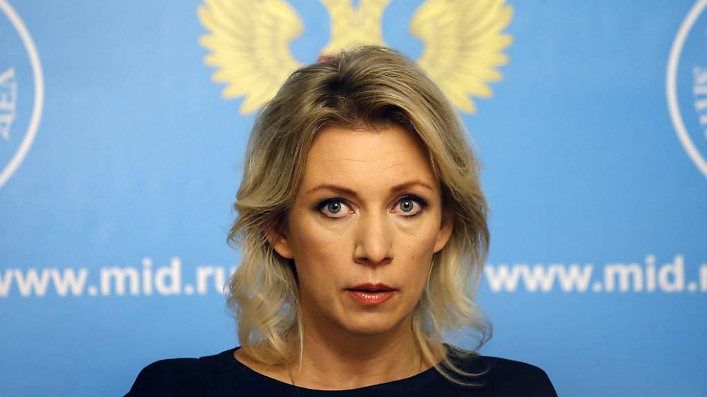 ARCHIV - Maria Sacharowa, die Sprecherin des russischen Außenministeriums, spricht während einer Pressekonferenz. Foto: Maxim Shipenkov/EPA/dpa